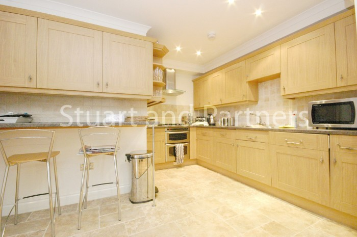 property-discovery-mews-copthorne-stuart-parthers-rh10